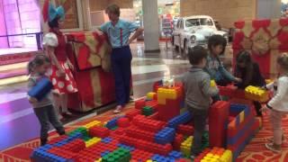 Максимка в Центральном детском магазине в Москве/Большой ЛЕГО
