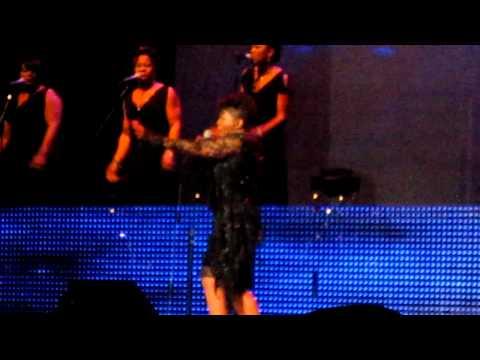 Anita Baker Performing