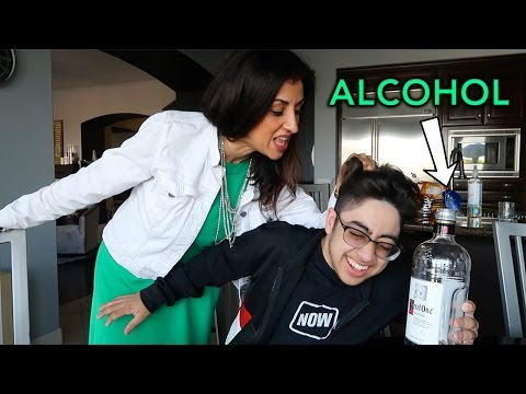 WATER IN VODKA PRANK ON MOM!! *GONE WRONG*