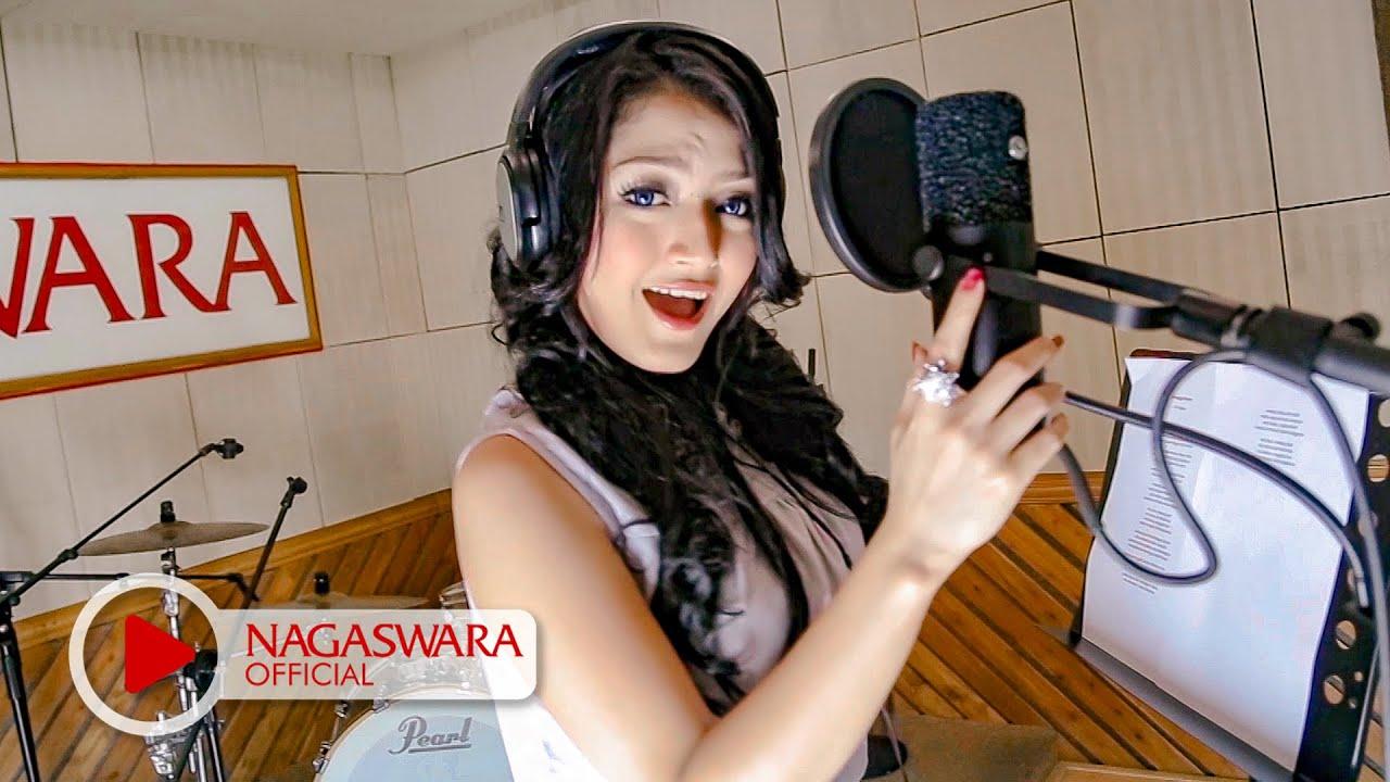 Download Siti Badriah - Melanggar Hukum (Official Music Video NAGASWARA) #music