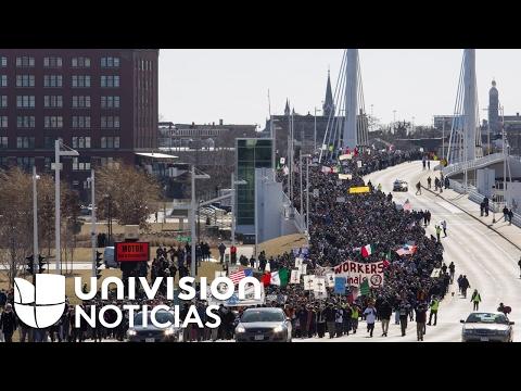 Hispanos en Wisconsin paralizan sus actividades para protestar por las medidas migratorias de Trump
