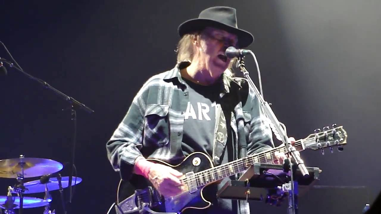 neil young promise of the real don 39 t be denied live amsterdam ziggo dome july 9 2016. Black Bedroom Furniture Sets. Home Design Ideas