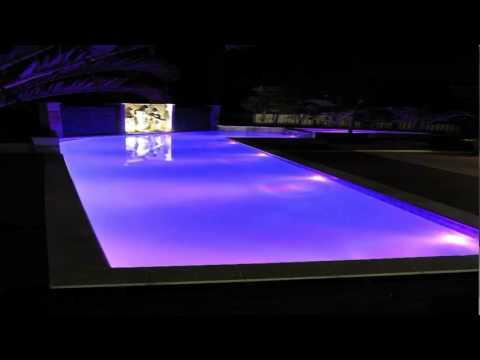 Zwembadverlichting Aqua deLight - YouTube