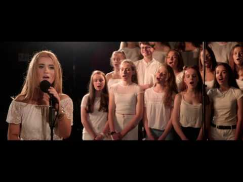 Hello - le Adele as Gaeilge