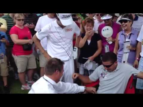 Kevin Na hits spectator at Greenbrier Classic