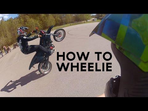 How To Wheelie 50cc Tutorial | English | Gilera SMT 50 Supermoto