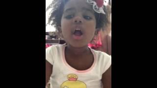 Ester hadassa cantando dependente