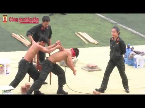 Màn trình diễn võ thuật cực đỉnh của các chiến sĩ CSC� Việt Nam