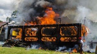 """Страшный Пожар на базе отдыха """"Береговая"""" в бухте Витязь / A fire in a recreation"""