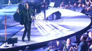 "Kevin James in Front Row at Billy Joel Concert ""Uptown Girl"" NYC 10/28/16"