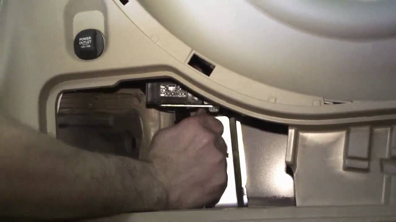 small resolution of episode 185 honda odyssey trailer hitch harness installation youtube