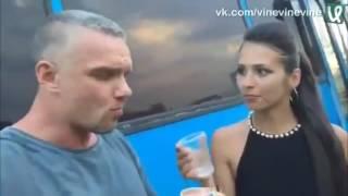 Актер предложил девушке заняться сексом прямо на улице