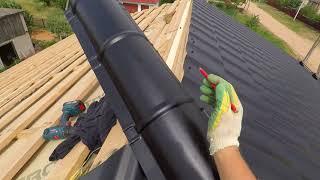Как установить конек на четырехскатной крыше ровно
