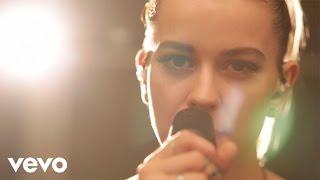 Смотреть клип Emmelie De Forest - My Empire