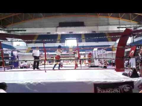 Emine ARSLAN, Kick Boks Türkiye Şampiyonu Oldu. (İst. H.F.Ş. Öğrencisi) Mavi Köşe