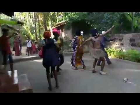 Khanivdi gava madhe marathi funny dance video 2017