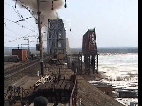 Взрывные работы, демонтаж моста.avi