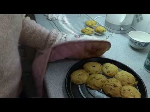 Biscuits, Cookies In The Halogen. How To Bake Chocolate Nut Cookies