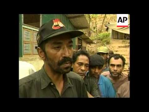 EAST TIMOR: DILI: INTERFET MEETS FALANTIL RESISTANCE GROUP