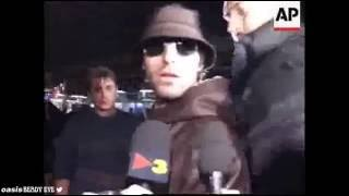 Oasis - Spain Airport, 1997 - all members are canned, Bonehead's totally legless.