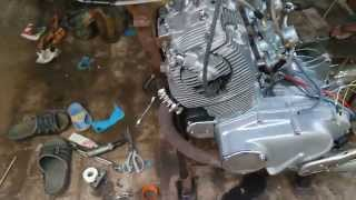 Starting engine 1963 Honda CP77 305cc...