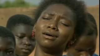 """Naître fille en Afrique - Kado ou """"La bonne à tout faire"""" (documentaire-fiction Burkinabé)"""