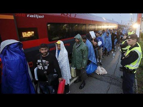 Hungary prepares for anti-refugee referendum