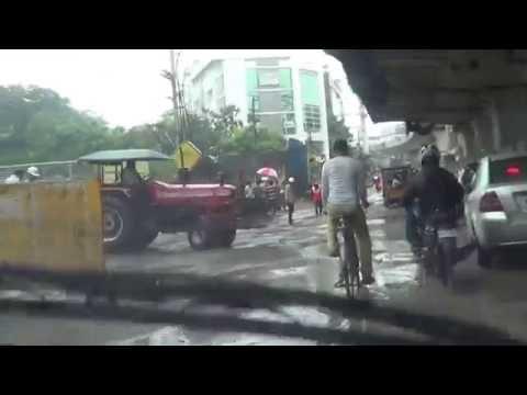 Hyderabad Warost Roads-This Road from Hi-Tech City to Jublee Chek Post-Banzara Hills-24.08.2016