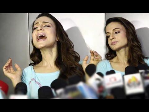 Ameesha Patel Get's Angry On Media