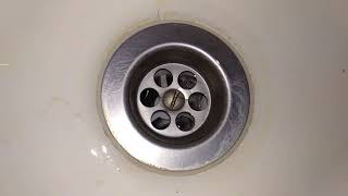 добавили аэратор и пропал шум в ванной при сливе воды