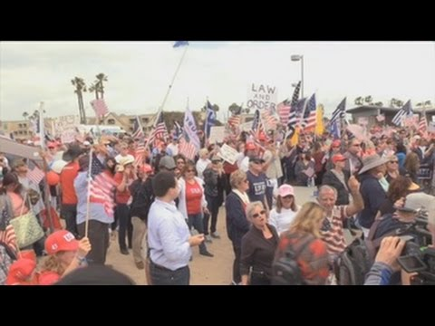 marcha a favor de trump deja disturbios y dos detenidos en california
