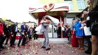 Невеста прощается с девичьей фамилией