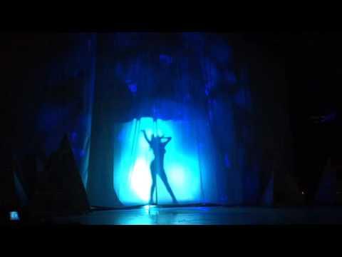 Selena Gomez - Intro / Revival - Revival Tour Calgary 5/17/2016