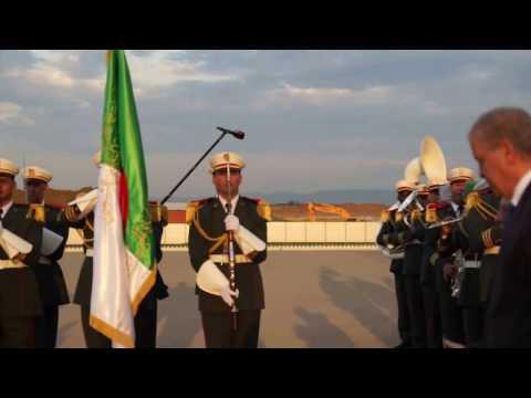 Réveil-FM: Alger, le PM Bernard Cazeneuve accueilli par son homologue algérien: Abdelmalek Sellal
