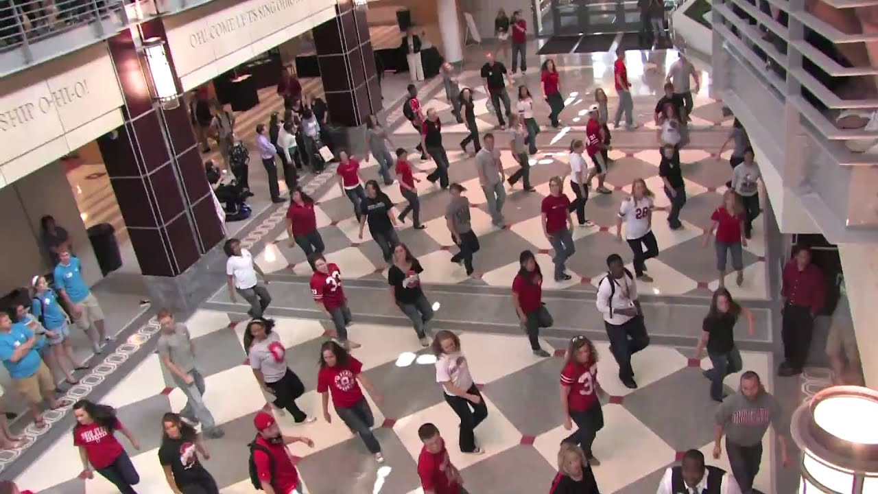 The most interesting flash mob in history 7