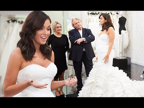 vicky-pattison-wows-in-strapless-£6,900-bridal-gown