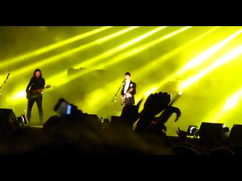 Arctic Monkeys - Oh Sheffield is Wonderful live @ Leeds Festival 2014
