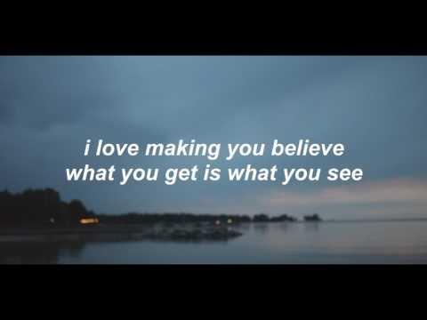 fake happy - paramore //lyrics