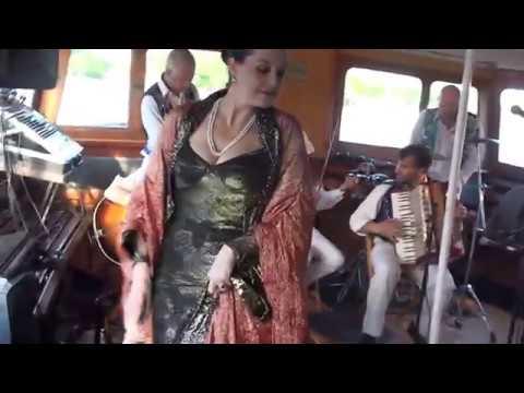 Chesty Morgan Orkester Amp Maya De Vesque 11 05 26 M S