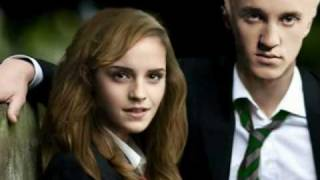 Draco And Hermione- Kiss the Girl