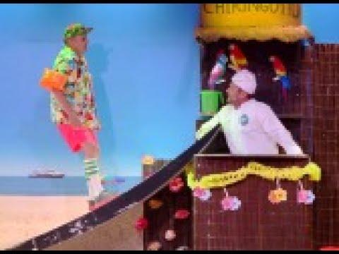 El Monaguillo se convierte en un famoso chef para superar el teatro de pendiente- Me Resbala