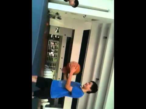 Basketball : Elvin VS Chryston
