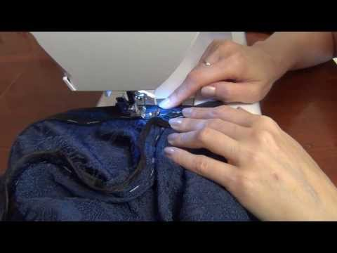 Cмотреть видео онлайн Потайная молния в платье