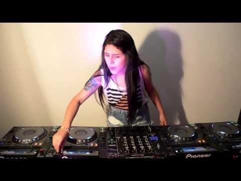 Rozz - Mixing on 4 CDJs Vol 1