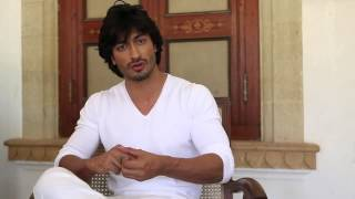 Making Of Commando Movie | Vidyut Jammwal and Pooja Chopra