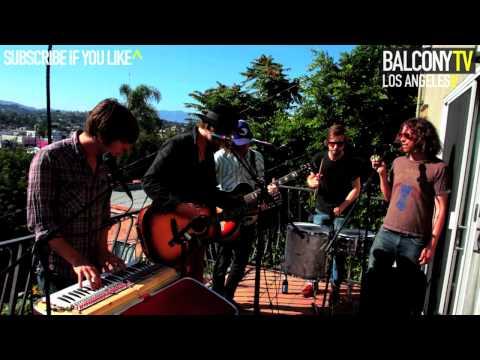 ALBERTA CROSS - LAY DOWN (BalconyTV)