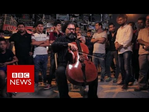 Iraq: Baghdad bomb site now a shrine to the dead - BBC News