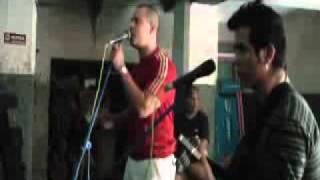 EXCLUSIVA¡¡ El grupo Buena Fe ensaya en el garage nueva versión acústica de Lotería