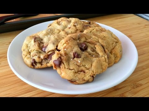 Super Easy Chocolate Chip Cookies Recipe + A SECRET