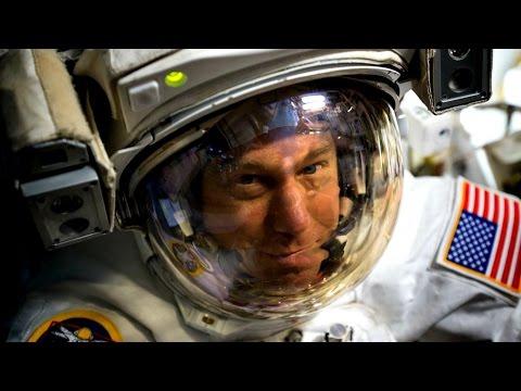 Flight Director Royce Renfrew Discusses Early Spacewalk End